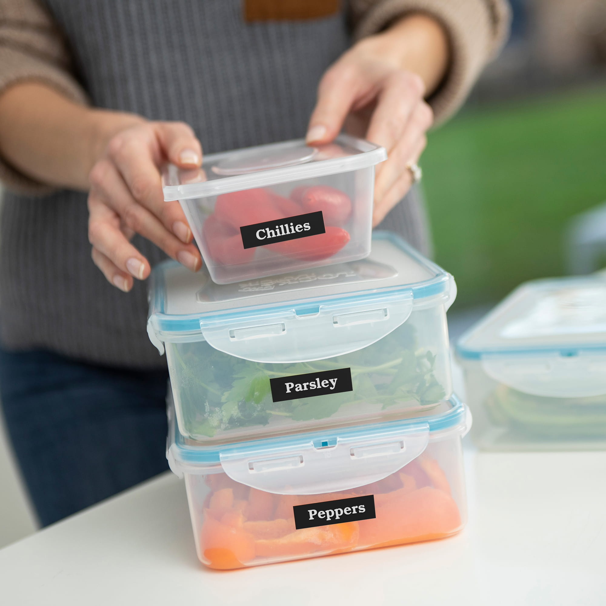 Home Application 04 - Label_Food_Containers